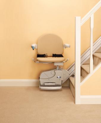 Montascale a poltroncina per per scale dritte con sicurezza di serie modello simplicity