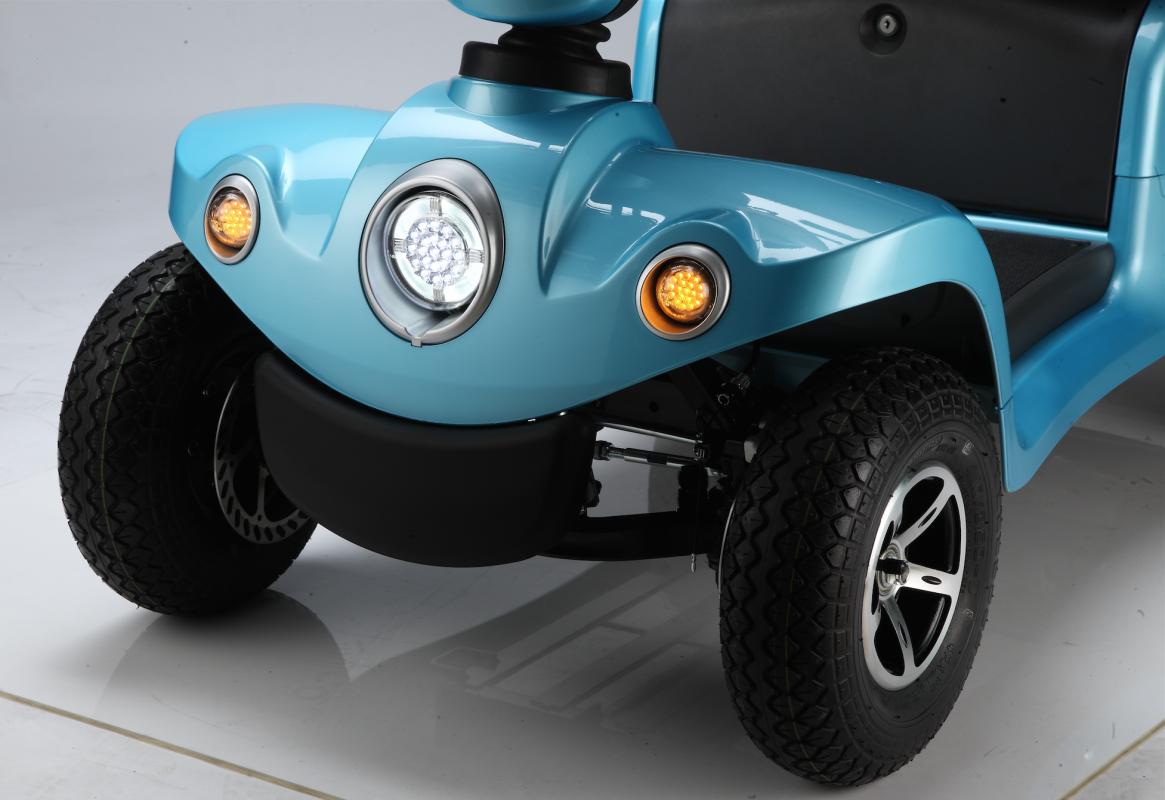 mobility scooter elettrico City con fari anteriori e posteriori