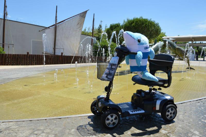 scooter elettrico per disabili per passeggiare in città o al parco su sterrato