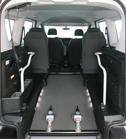 fiat doblo passo corto per trasporto disabili in carrozzina