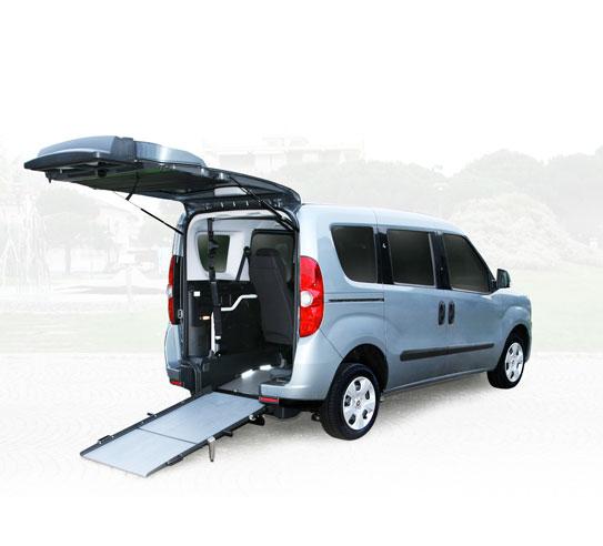 adattamento auto per disabili fiat doblò con rampa per carrozzina