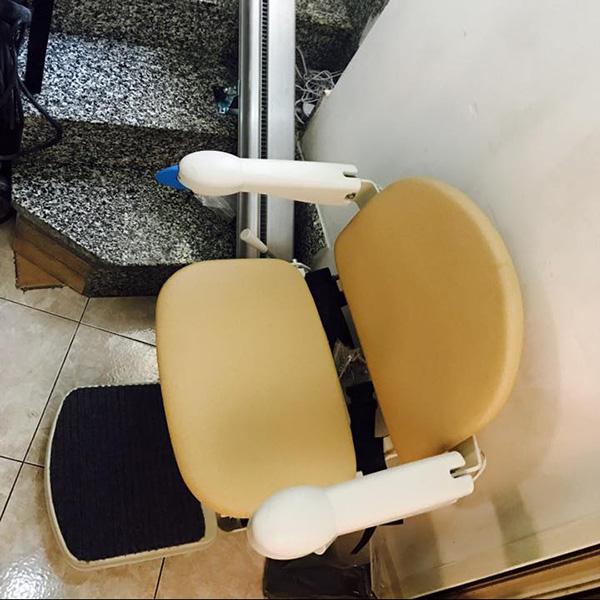 servoscala per disabili installato presso un cliente in sardegna