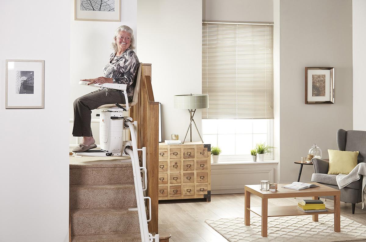 montascale sicuro ed efficiente per abbattere le barriere architettoniche in casa tua
