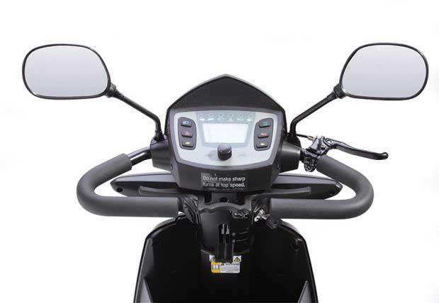 scooter elettrico ventura robusto e affidabile con un sicuro e comodo volante