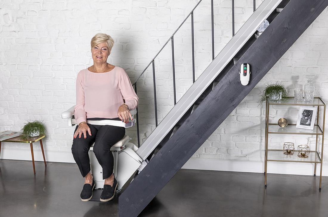 servoscala a poltroncina per disabili e anziani ideale per scale dritte